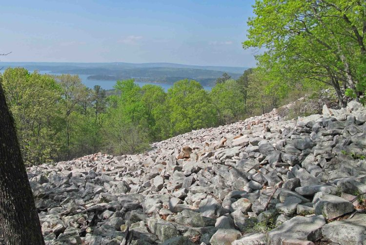 Rockslide on Pinnacle Mountain and view of Lake Maumelle.