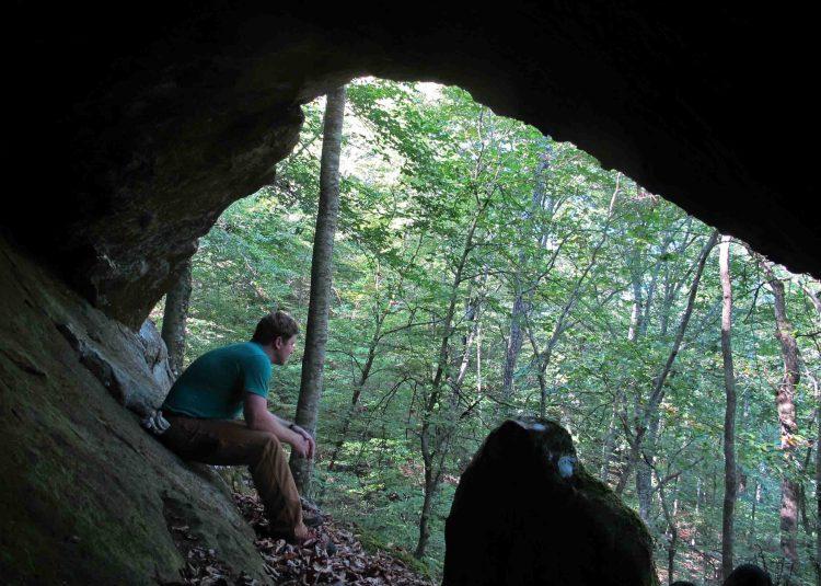 Small cave in the Marinoni Scenic Area