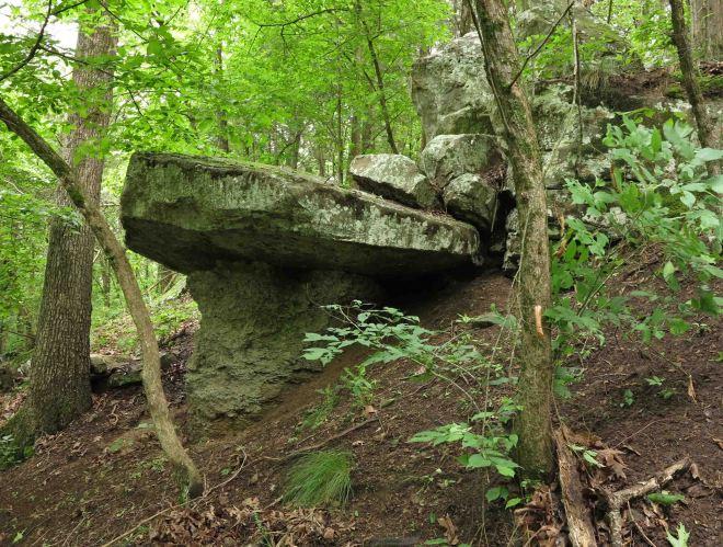Rock formations west of Little Clear Creek
