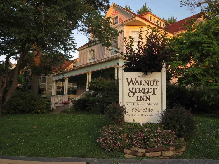 Walnut Street Inn Bed & Breakfast