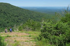 A couple enjoys views from the North Rim Trail
